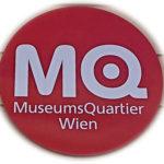 Schild MQ Museumsquartier Wien - www.wien-erleben.com