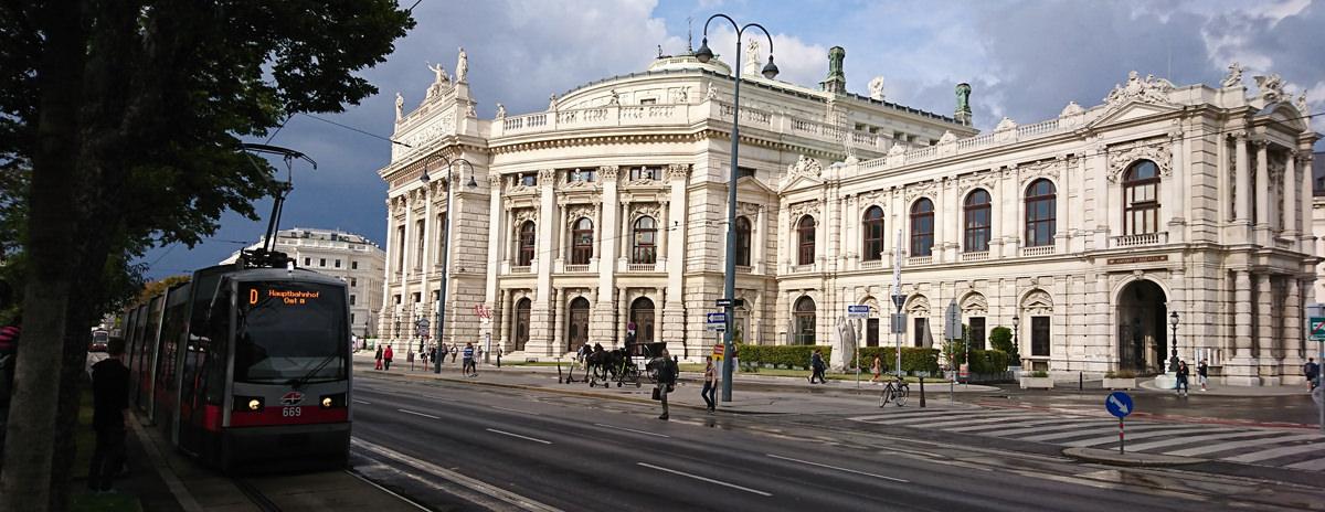 Spaziergang durch die Wiener Innenstadt - Burgtheater - www.wien-erleben.com