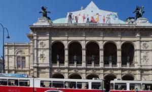 Spaziergang durch die Wiener Innenstadt - Wiener Staatsoper mit Bim - www.wien-erleben.com