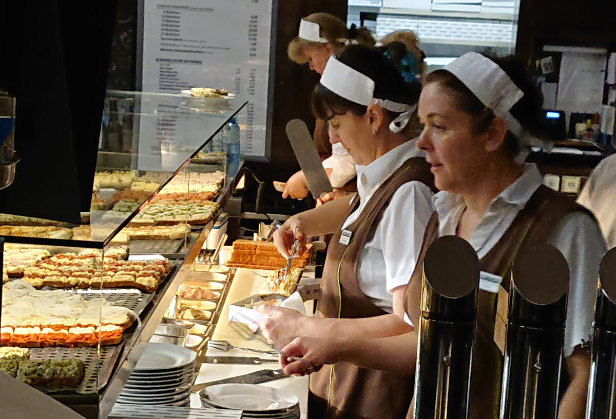 Die Verkaufstheke im Trześniewski im 1. Bezirk Wiens - www.wien-erleben.com