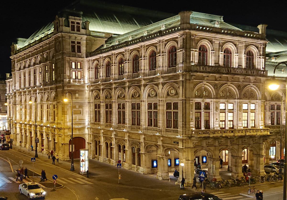 Wiener Staatsoper bei Nacht - www.wien-erleben.com