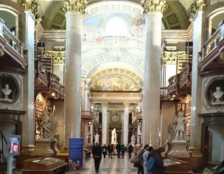 Beitrag über den Prunksaal der Nationalbibliothek Innenansicht - www.wien-erleben.com