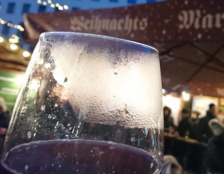 Beitrag über Weihnachstmakrt am Hof, Hot Uhudler - www.wien-erleben.com