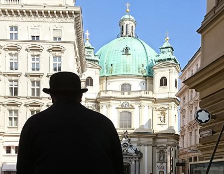 Beitrag über die Peterskirche in Wien, Bild mit Fiaker - www.wien-erleben.com