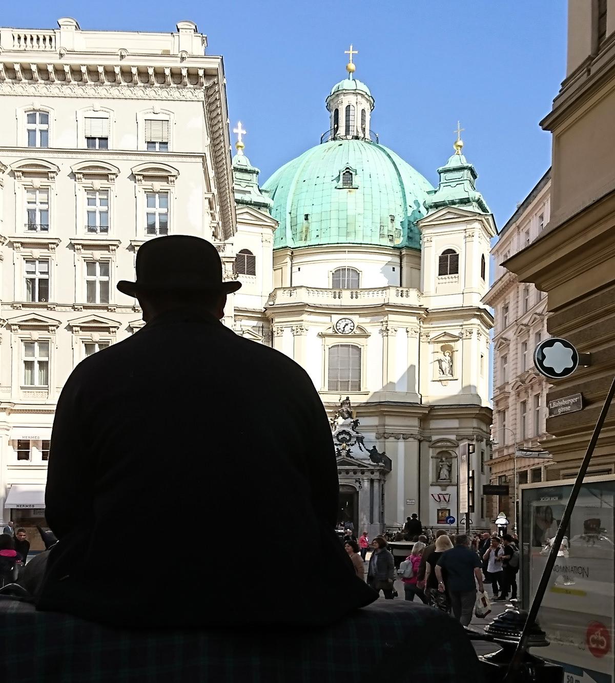 Die Peterskirche in Wien vom Fiaker aus gesehen - www.wien-erleben.com