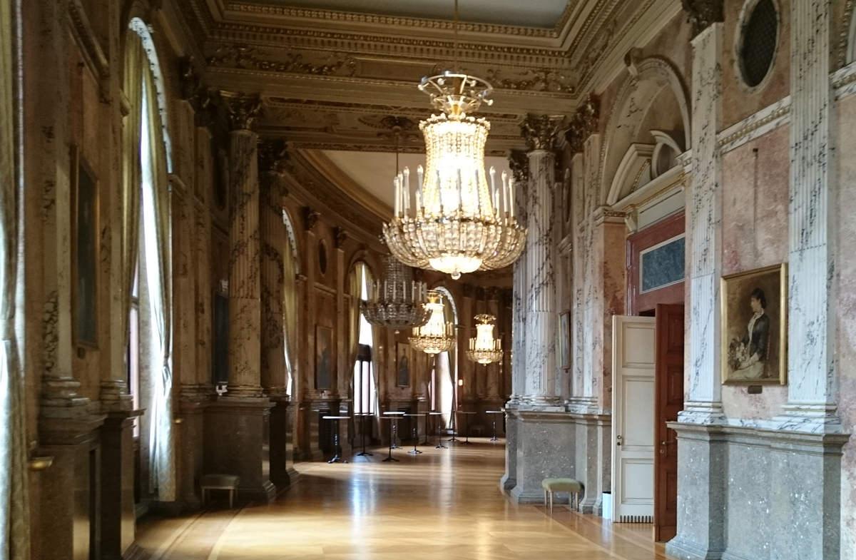 Burgtheater Wien - Zugang zu den Zuschauerräumen - www.wien-erleben.com