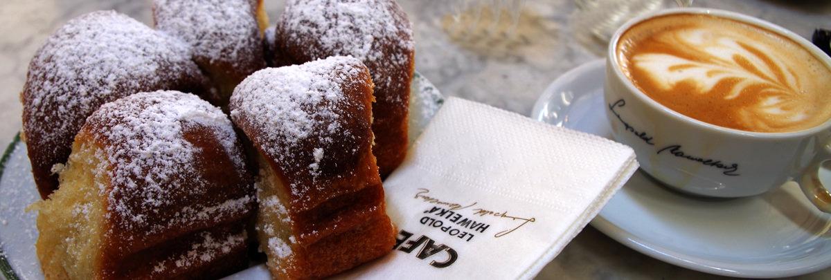 Buchteln, eine Spezialität im Café Hawelka - www.wien-erleben.com