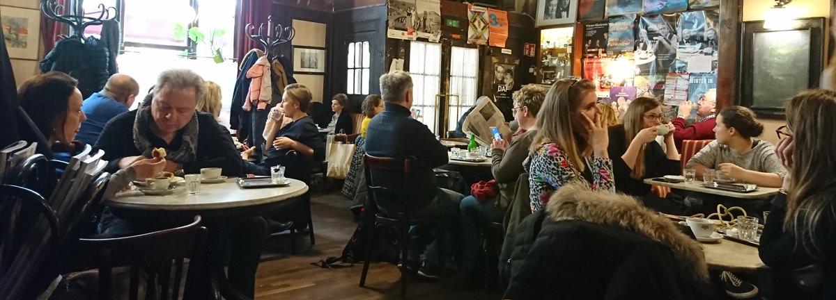 Café Hawelka gut besucht - www.wien-erleben.com