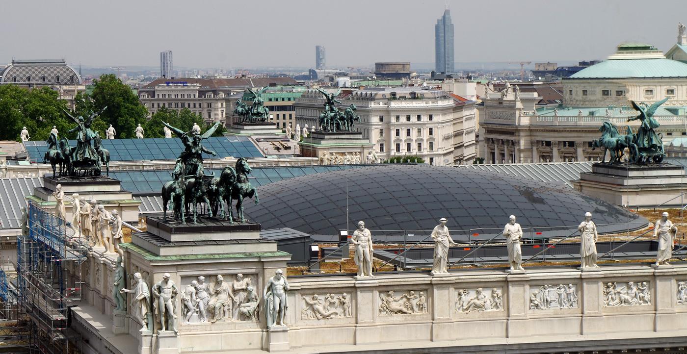Justizpalast Wien - Blick vom Cafe auf das Parlament - www.wien-erleben.com